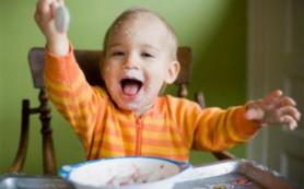 Вредной едой детей кормят мамы