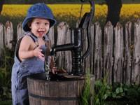 Детям вредно пить воду из колонок и колодцев