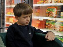 Мужские гормоны делают из детей аутистов, показал анализ крови