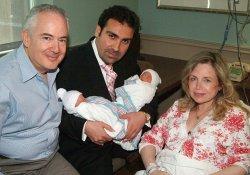 Обманув врачей, Фрида стала матерью близнецов в возрасте 60 лет