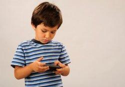 Реабилитация телевизоров: в детском ожирении они виноваты меньше, чем смартфоны