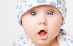 Как ухаживать за кожей младенца: 4 важных правила