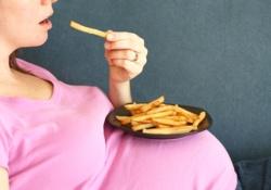 Почему жареные блюда – еда не для беременных