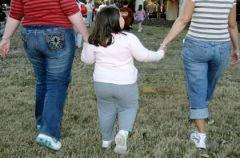 Дети толстеют от… стресса родителей