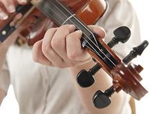 Занятия музыкой и рисованием толкают школьников к депрессивным состояниям
