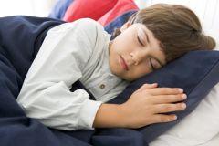Лишний час сна сделает ребенка счастливым