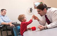 Раннее лечение дает поразительное улучшение функций мозга при аутизме
