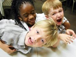 У гиперактивных детей существует риск стать курильщиками.