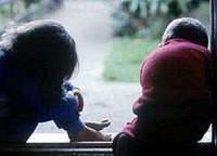 Детские травмы вызывают физические изменения в мозге