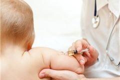 Почему дети неопытных мам хуже переносят прививки