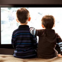Как отучить ребенка смотреть телевизор: 5 простых способов