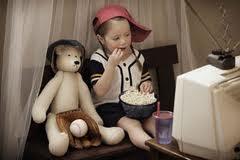 Специалисты из Австралии считают, что мультфильмы вызывают ожирение у детей