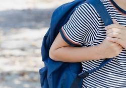 Перед выходом ребенка в школу взвесьте его рюкзак