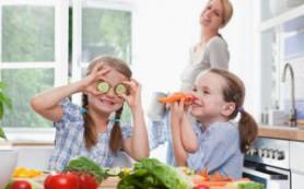 Обнаружен способ накормить ребенка овощами