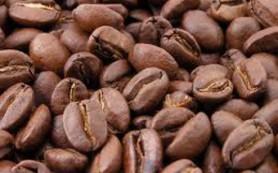 Кофеин удлиняет беременность и снижает вес плода