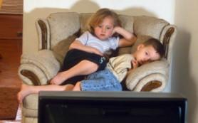 В задержке речевого развития виноват телевизор