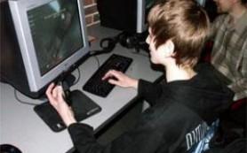 Следите, во что и как играет ребенок на компьютере