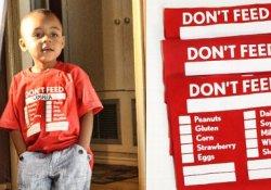 О наличии у ребенка пищевой аллергии предупредит его футболка