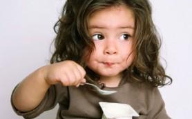 Напитки здоровья для деток: йогурт и кефир