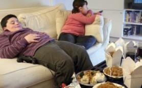 Родители сами откармливают детей до ожирения