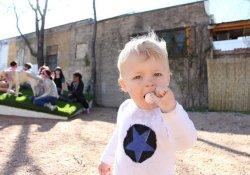 Леденцы со вкусом грудного молока успокоят даже самых капризных детей