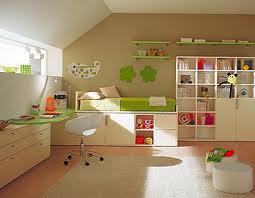 Выбираем книжный шкаф для детской комнаты
