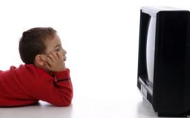 Телевизор в комнате грозит ребенку ожирением