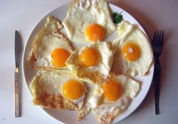 Яйца на завтрак очень полезны не только взрослым, но и детям