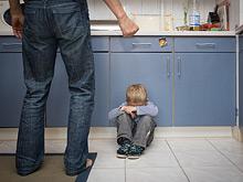 Физическое наказание в детстве приводит к развитию хронических недугов