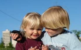 Отношения с братом влияют на психику