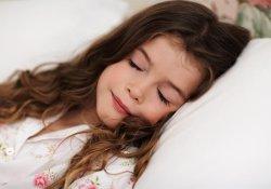 Своевременный отход ко сну поможет ребенку стать отличником