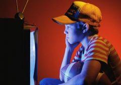 Телевизор и компьютер делают детей несчастными