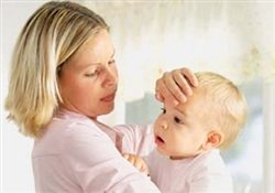 Как правильно сбить температуру у ребёнка