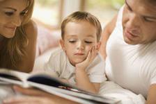 Доказано: совместное чтение лучше развивает ребенка