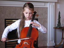 Музыкальные занятия позволяют поддержать слух, даже спустя много лет