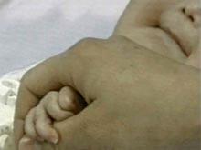 Педиатры выяснили, почему маленькие дети часто болеют