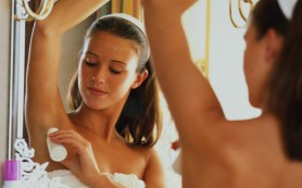 Риск выкидыша увеличивается от пластиковой посуды и дезодорантов