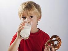 Пищевые аллергены можно смело вводить в детскую диету, заявляют педиатры