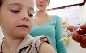 Делать ли ребенку прививки