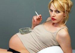 Курение беременной: заячья губа ребенка еще не самое страшное…