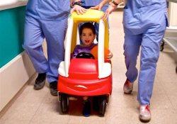 Игровая терапия для маленьких пациентов хирургии