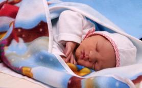 Рожденные через кесарево сечение чаще набирают лишний вес
