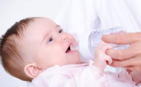 Нужно ли давать воду новорожденным, как поить новорожденного
