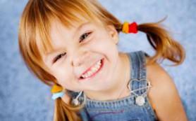Советы мамам: как научить ребёнка помогать по дому