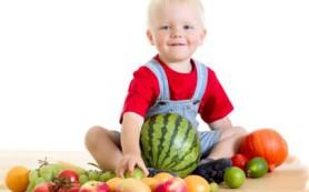Какие нужны фрукты в рационе ребенка