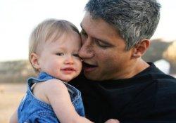 Как возраст отца влияет на психическое здоровье ребенка