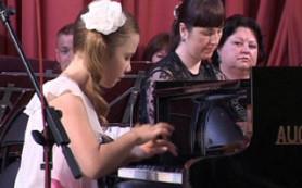 Юные дарования Смоленщины выступили на одной сцене с прославленными коллективами региона