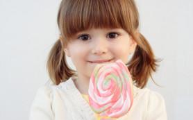Давать малышу сладкое или не давать