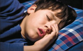 У детей тонзиллэктомия по поводу ночного обструктивного апноэ сна может быть связана с появлением избыточного веса