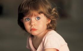 Ученые рассказали, что страхи ребенку передаются от матери
